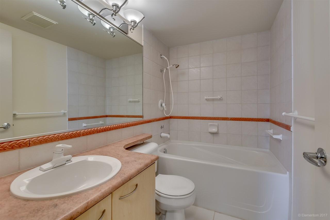 Condo Apartment at 204 1575 W 10TH AVENUE, Unit 204, Vancouver West, British Columbia. Image 13