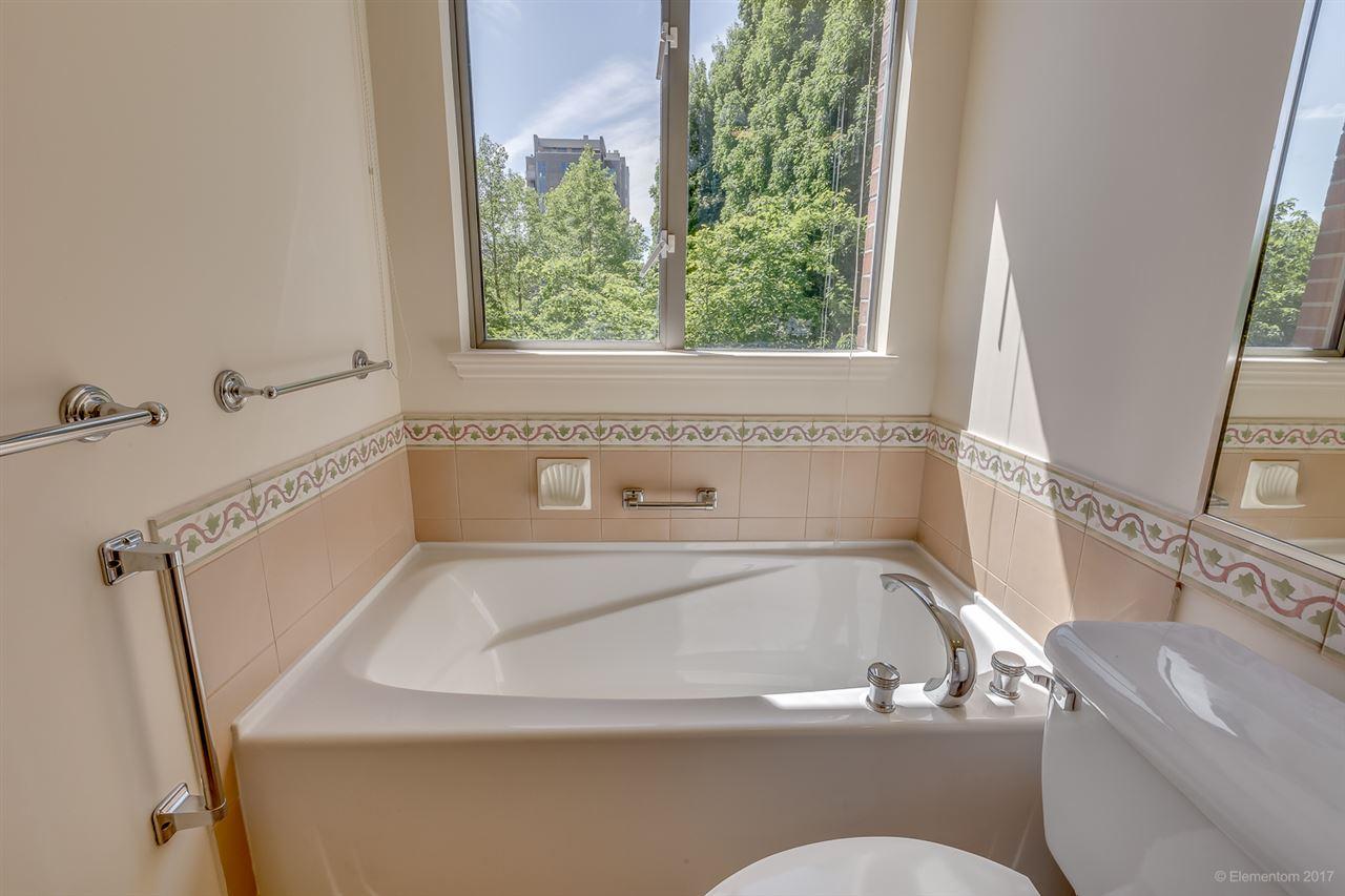 Condo Apartment at 204 1575 W 10TH AVENUE, Unit 204, Vancouver West, British Columbia. Image 18