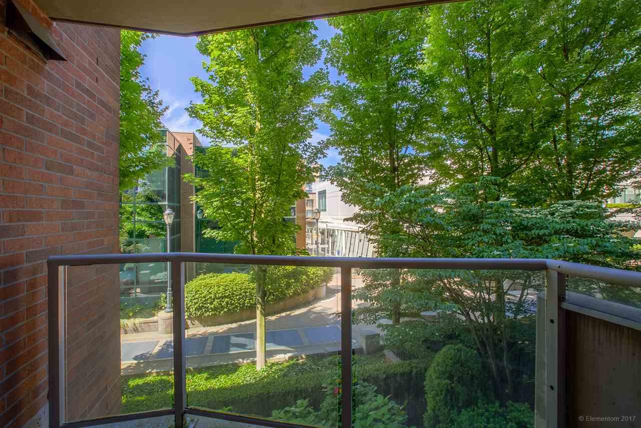 Condo Apartment at 204 1575 W 10TH AVENUE, Unit 204, Vancouver West, British Columbia. Image 20