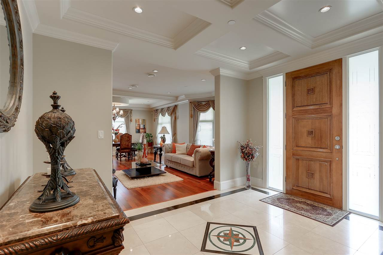 Detached at 1392 W 49TH AVENUE, Vancouver West, British Columbia. Image 2