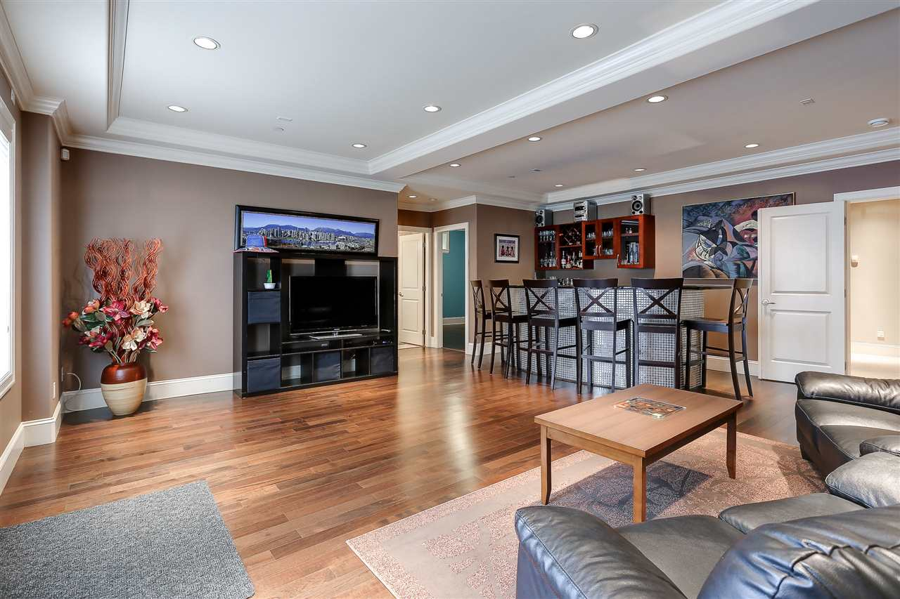 Detached at 1392 W 49TH AVENUE, Vancouver West, British Columbia. Image 15