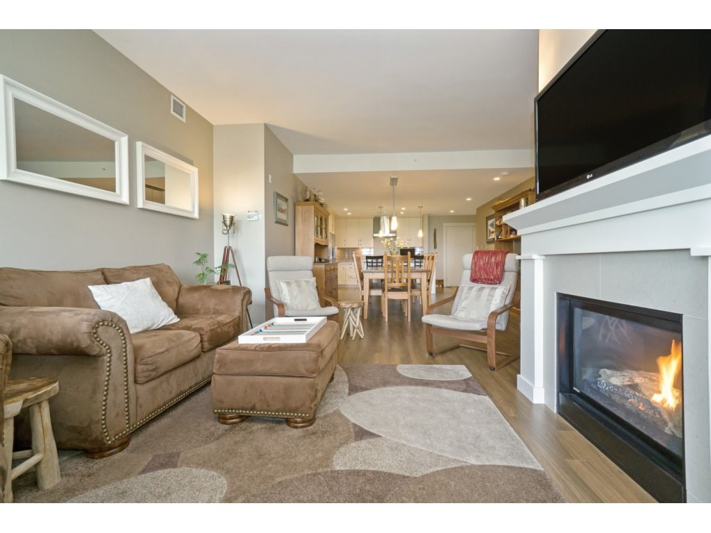 Condo Apartment at 106 5055 SPRINGS BOULEVARD, Unit 106, Tsawwassen, British Columbia. Image 4
