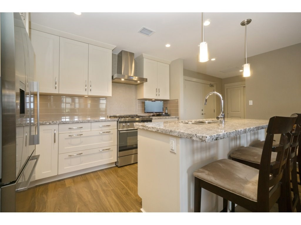 Condo Apartment at 106 5055 SPRINGS BOULEVARD, Unit 106, Tsawwassen, British Columbia. Image 6