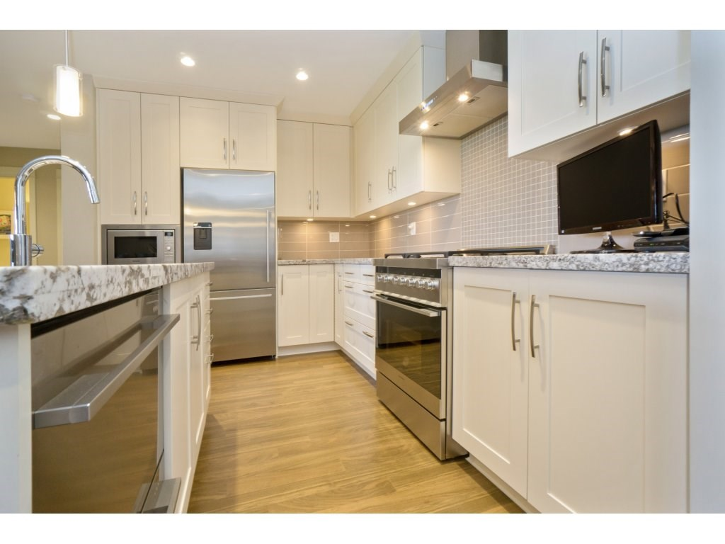 Condo Apartment at 106 5055 SPRINGS BOULEVARD, Unit 106, Tsawwassen, British Columbia. Image 7
