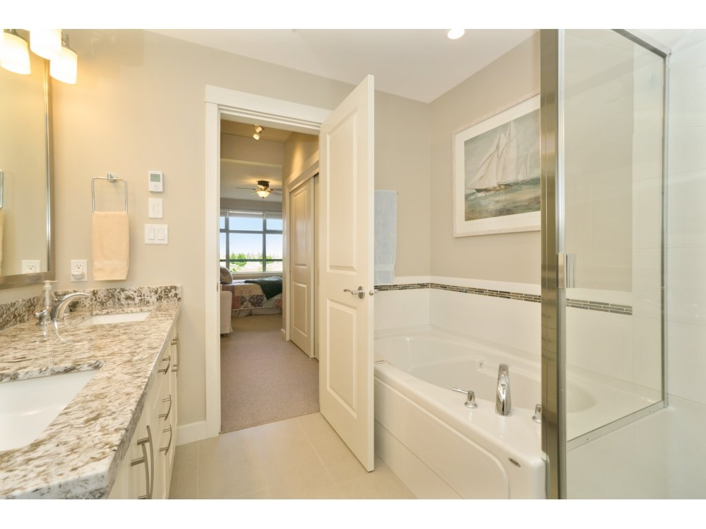 Condo Apartment at 106 5055 SPRINGS BOULEVARD, Unit 106, Tsawwassen, British Columbia. Image 13