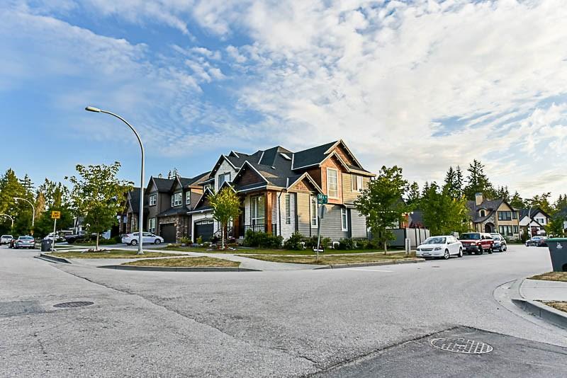 Detached at 5847 140 STREET, Surrey, British Columbia. Image 2