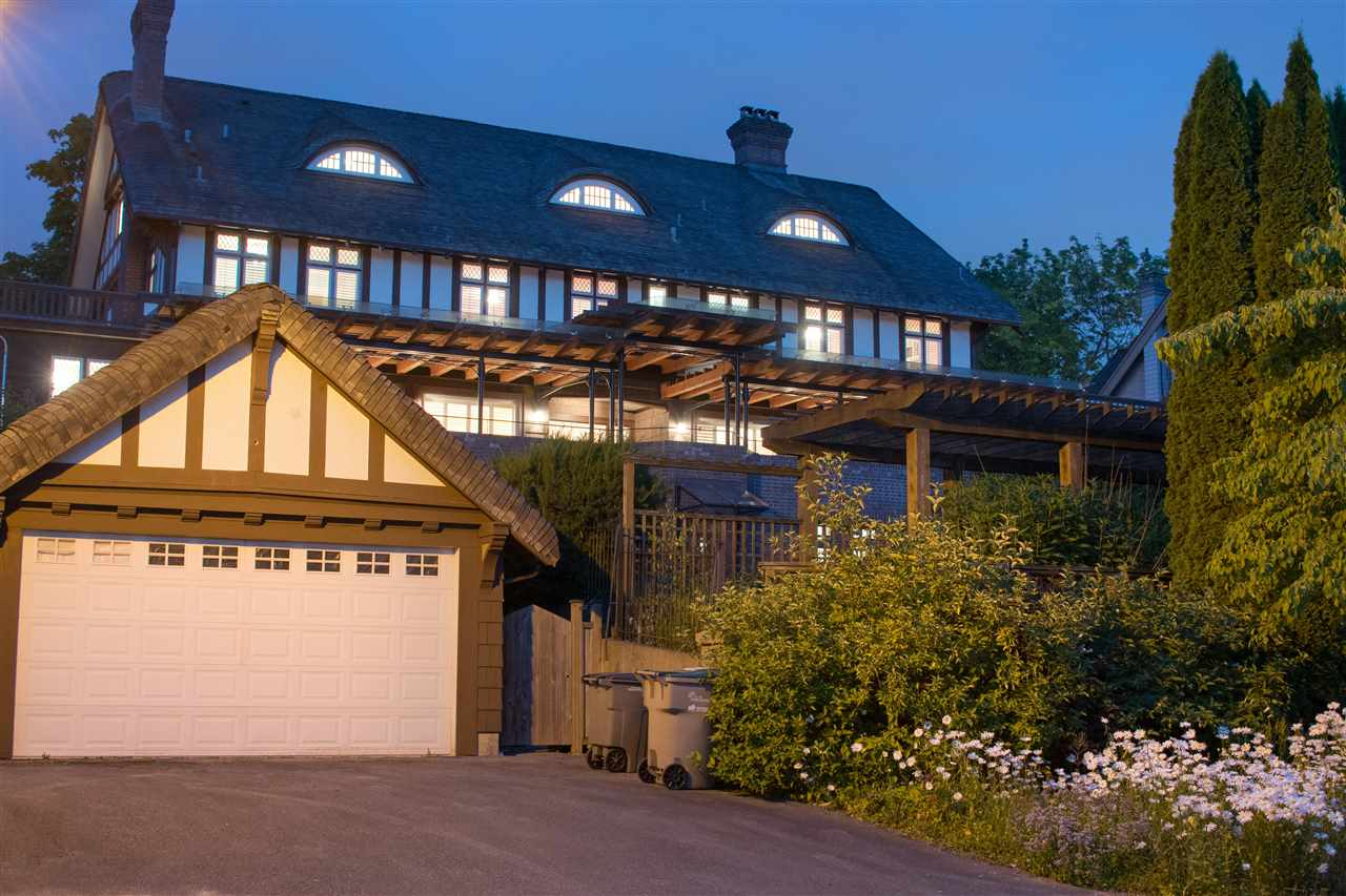 Detached at 5055 CONNAUGHT DRIVE, Vancouver West, British Columbia. Image 2
