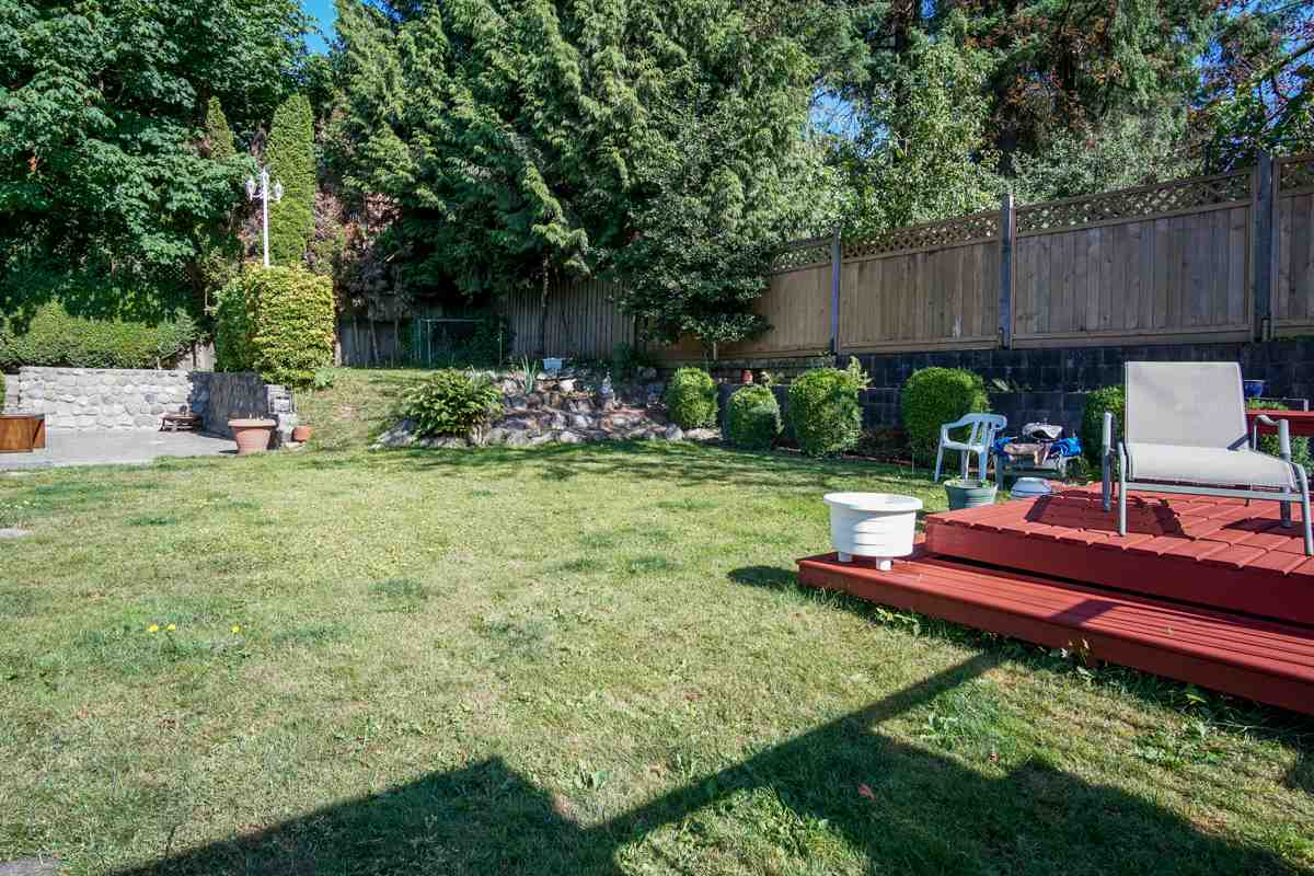 Detached at 11468 140A STREET, North Surrey, British Columbia. Image 18