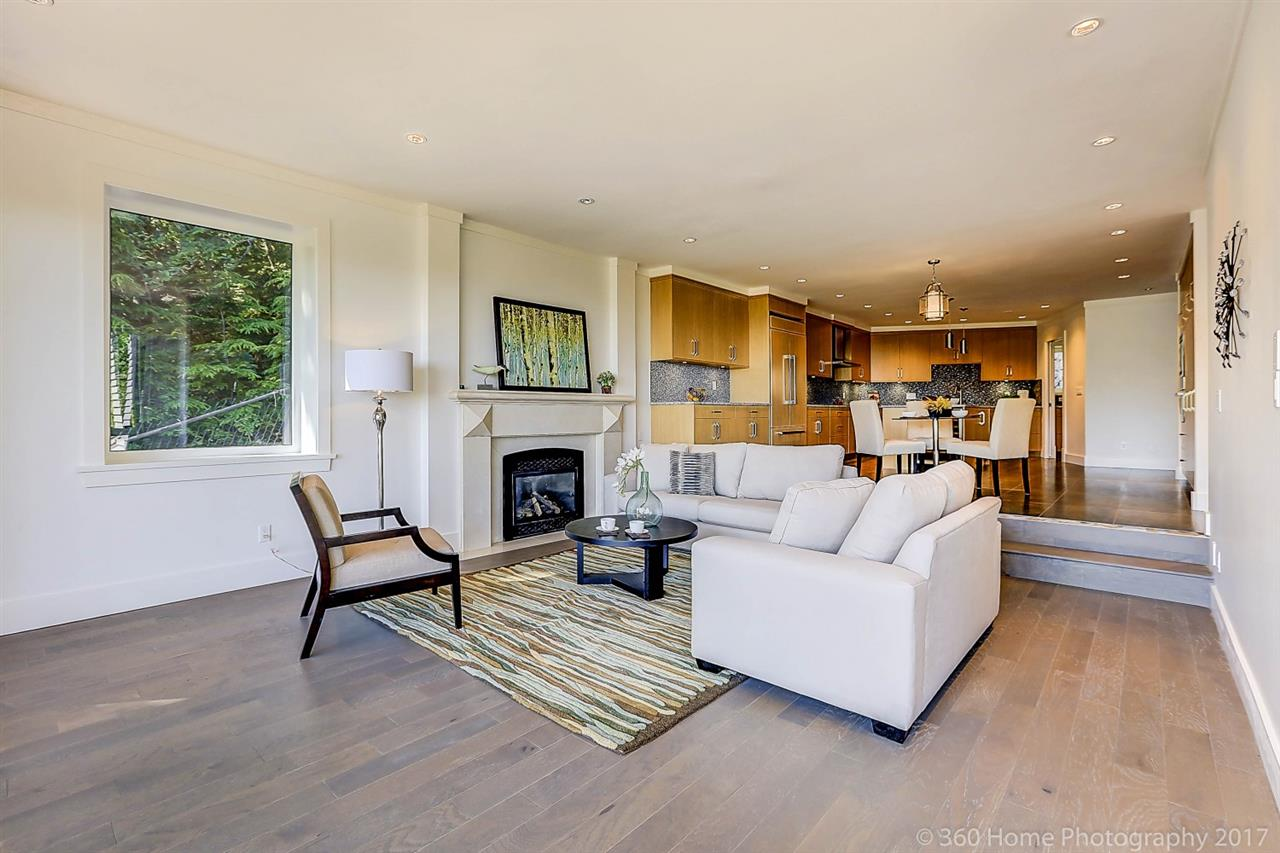 Detached at 1581 PINECREST DRIVE, West Vancouver, British Columbia. Image 13