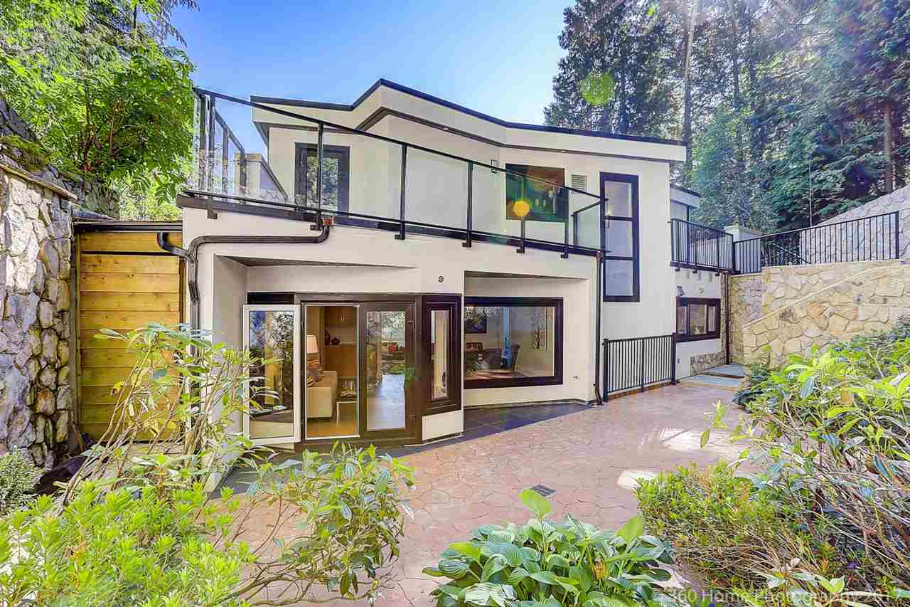 Detached at 1581 PINECREST DRIVE, West Vancouver, British Columbia. Image 19