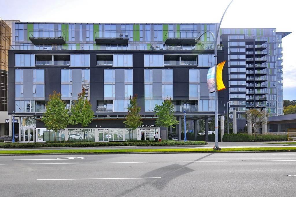 Condo Apartment at 7002 8080 GRANVILLE AVENUE, Unit 7002, Richmond, British Columbia. Image 1