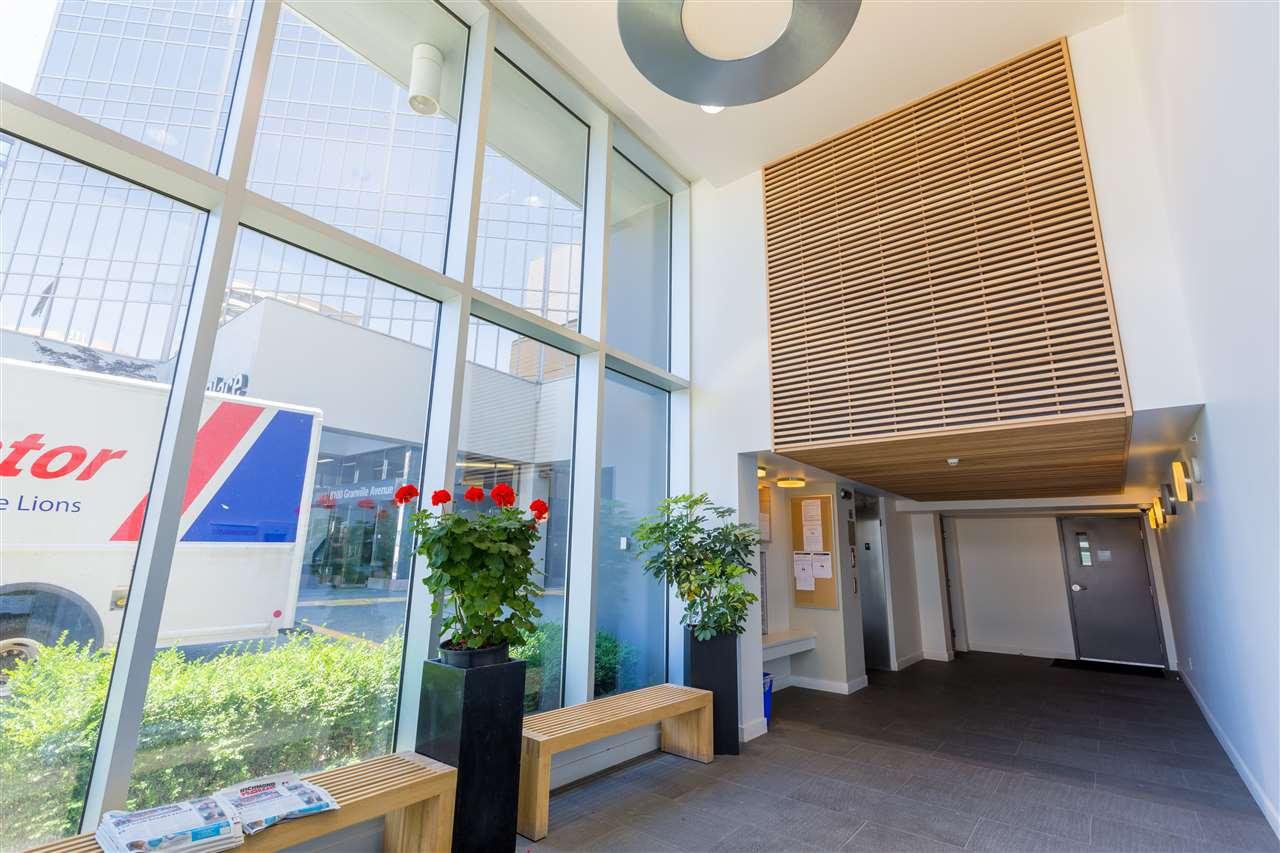 Condo Apartment at 7002 8080 GRANVILLE AVENUE, Unit 7002, Richmond, British Columbia. Image 2