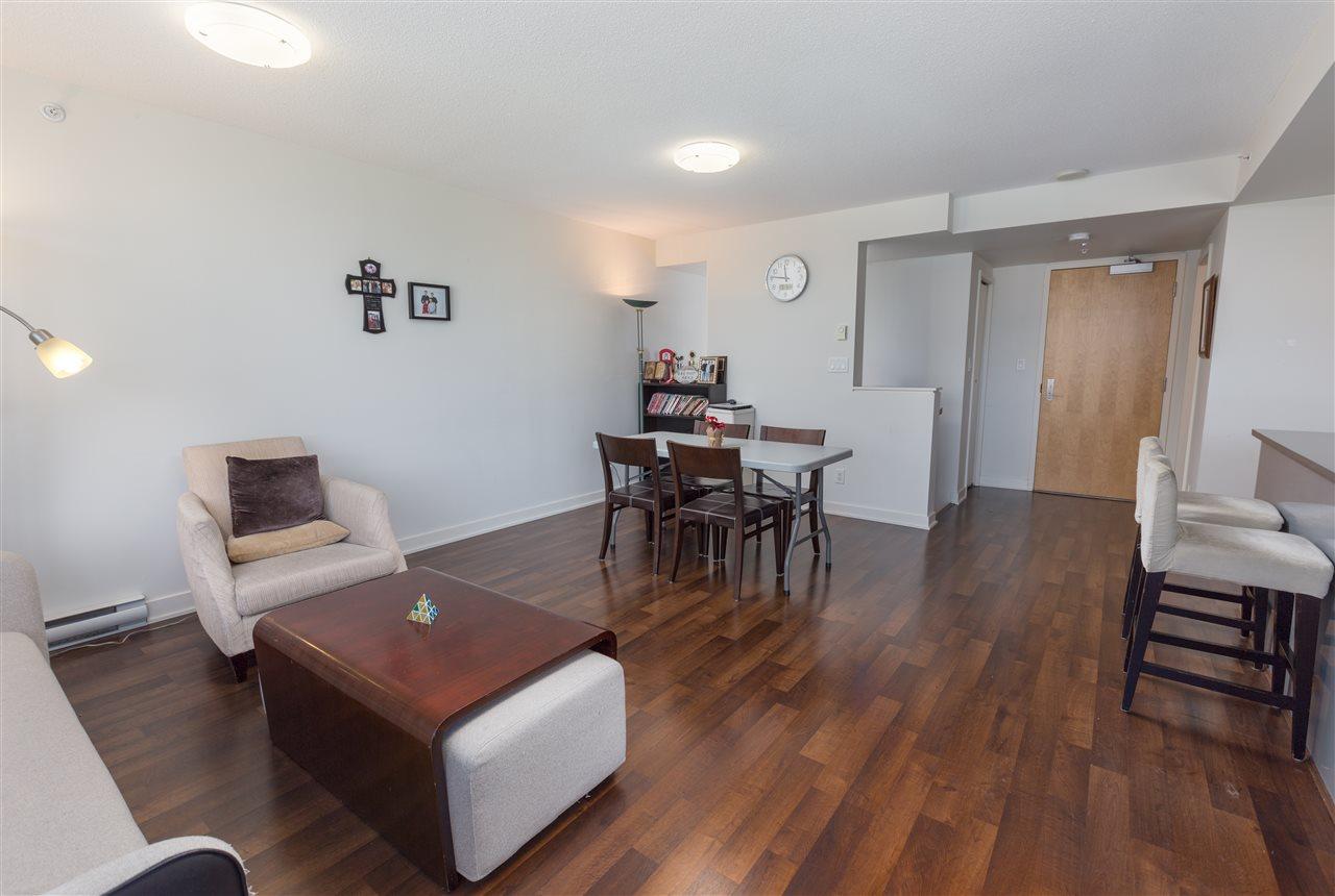 Condo Apartment at 7002 8080 GRANVILLE AVENUE, Unit 7002, Richmond, British Columbia. Image 4