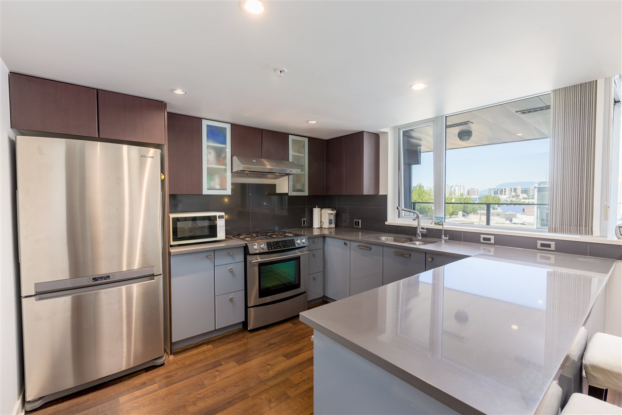 Condo Apartment at 7002 8080 GRANVILLE AVENUE, Unit 7002, Richmond, British Columbia. Image 5