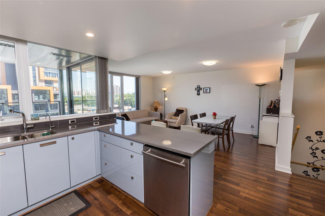 Condo Apartment at 7002 8080 GRANVILLE AVENUE, Unit 7002, Richmond, British Columbia. Image 6
