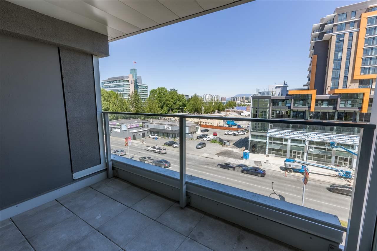 Condo Apartment at 7002 8080 GRANVILLE AVENUE, Unit 7002, Richmond, British Columbia. Image 7