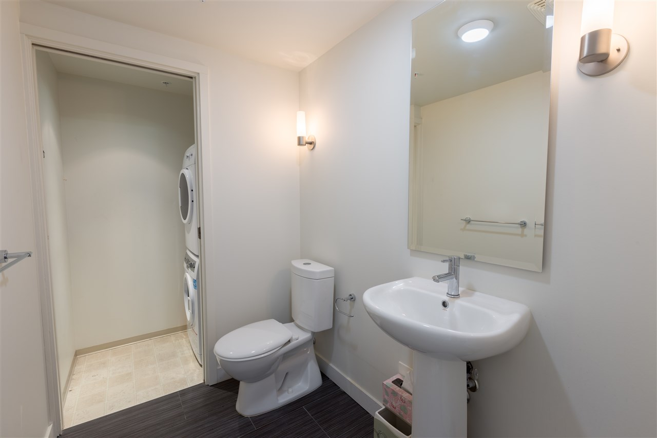 Condo Apartment at 7002 8080 GRANVILLE AVENUE, Unit 7002, Richmond, British Columbia. Image 8