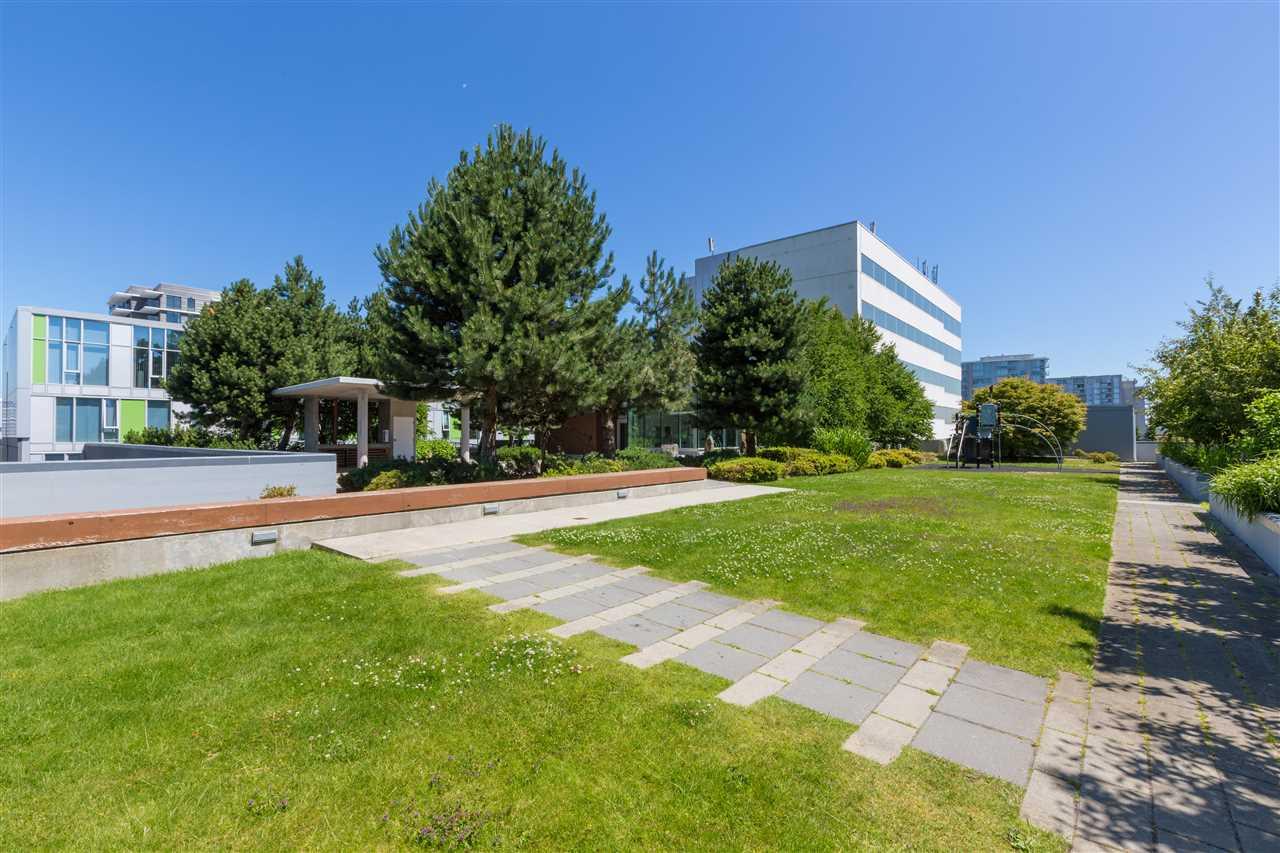 Condo Apartment at 7002 8080 GRANVILLE AVENUE, Unit 7002, Richmond, British Columbia. Image 19