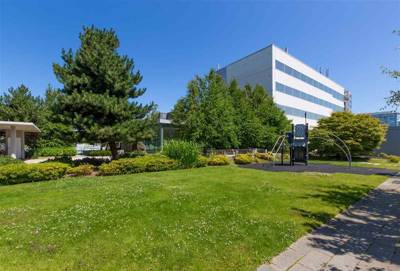 Condo Apartment at 7002 8080 GRANVILLE AVENUE, Unit 7002, Richmond, British Columbia. Image 20