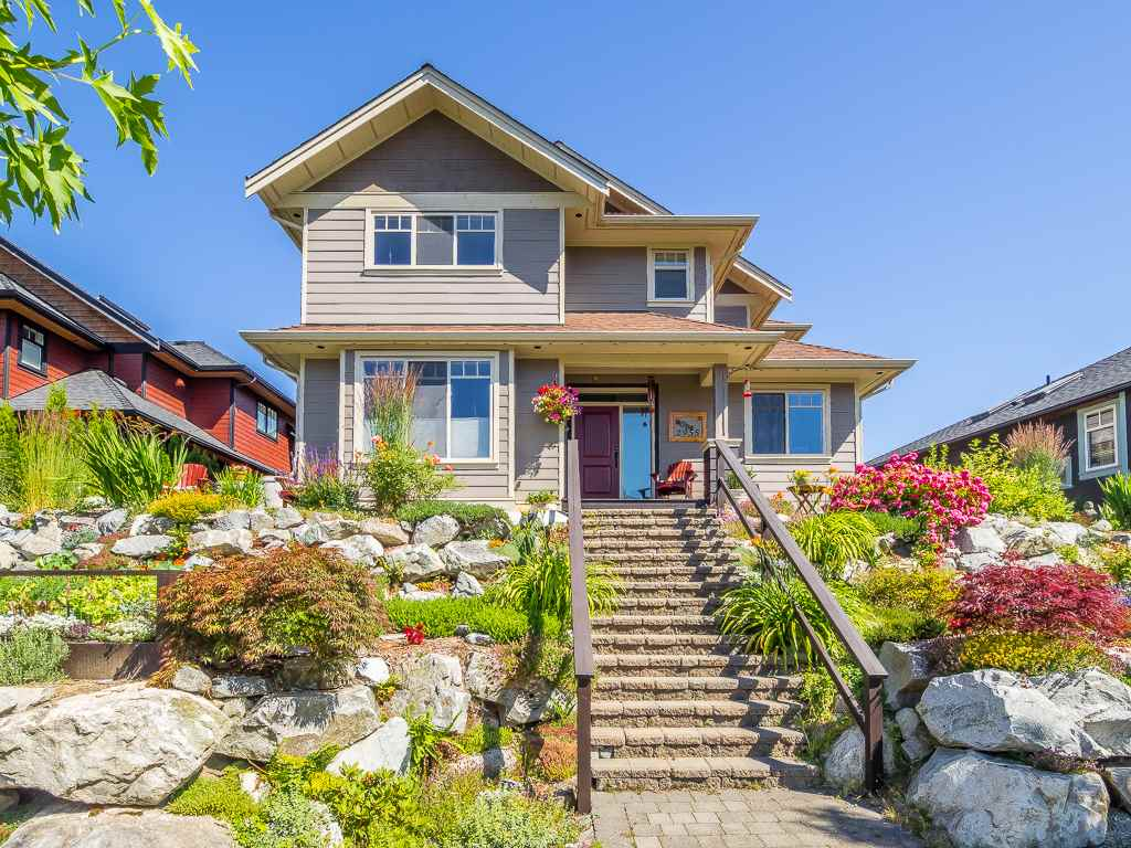 Detached at 2955 STRANGWAY PLACE, Squamish, British Columbia. Image 1
