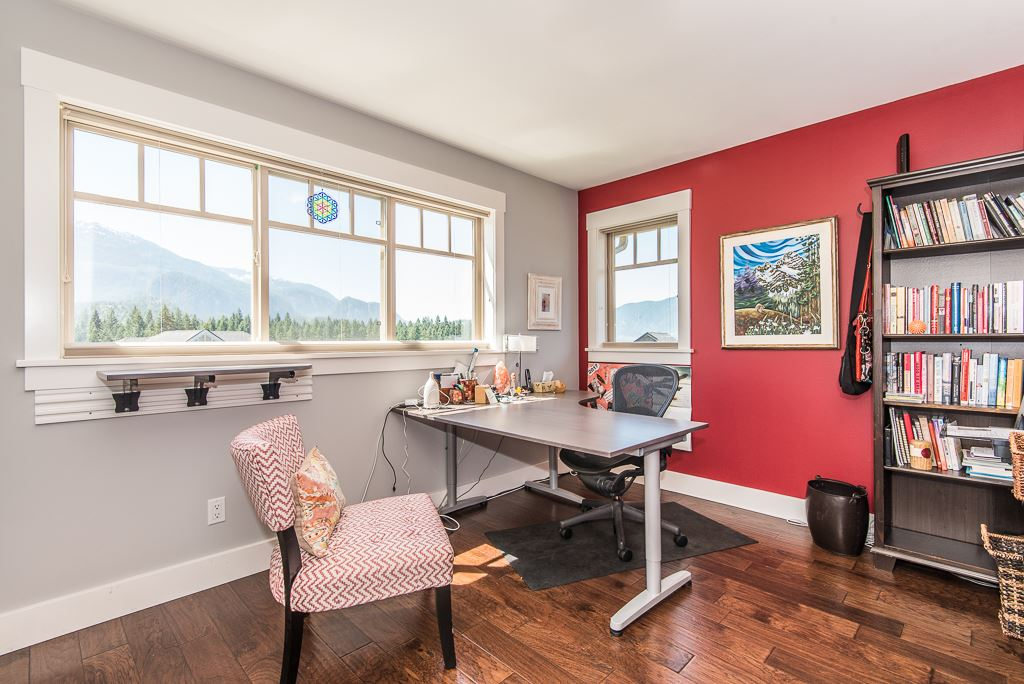 Detached at 2955 STRANGWAY PLACE, Squamish, British Columbia. Image 16