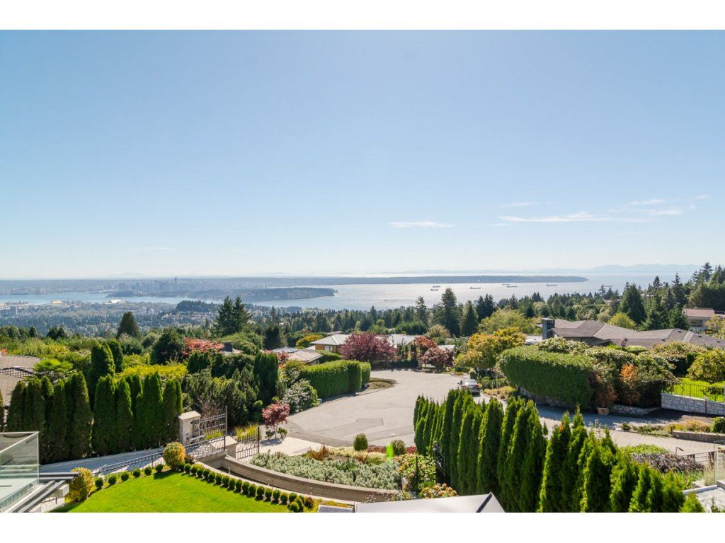 Detached at 1116 HIGHLAND PLACE, West Vancouver, British Columbia. Image 14
