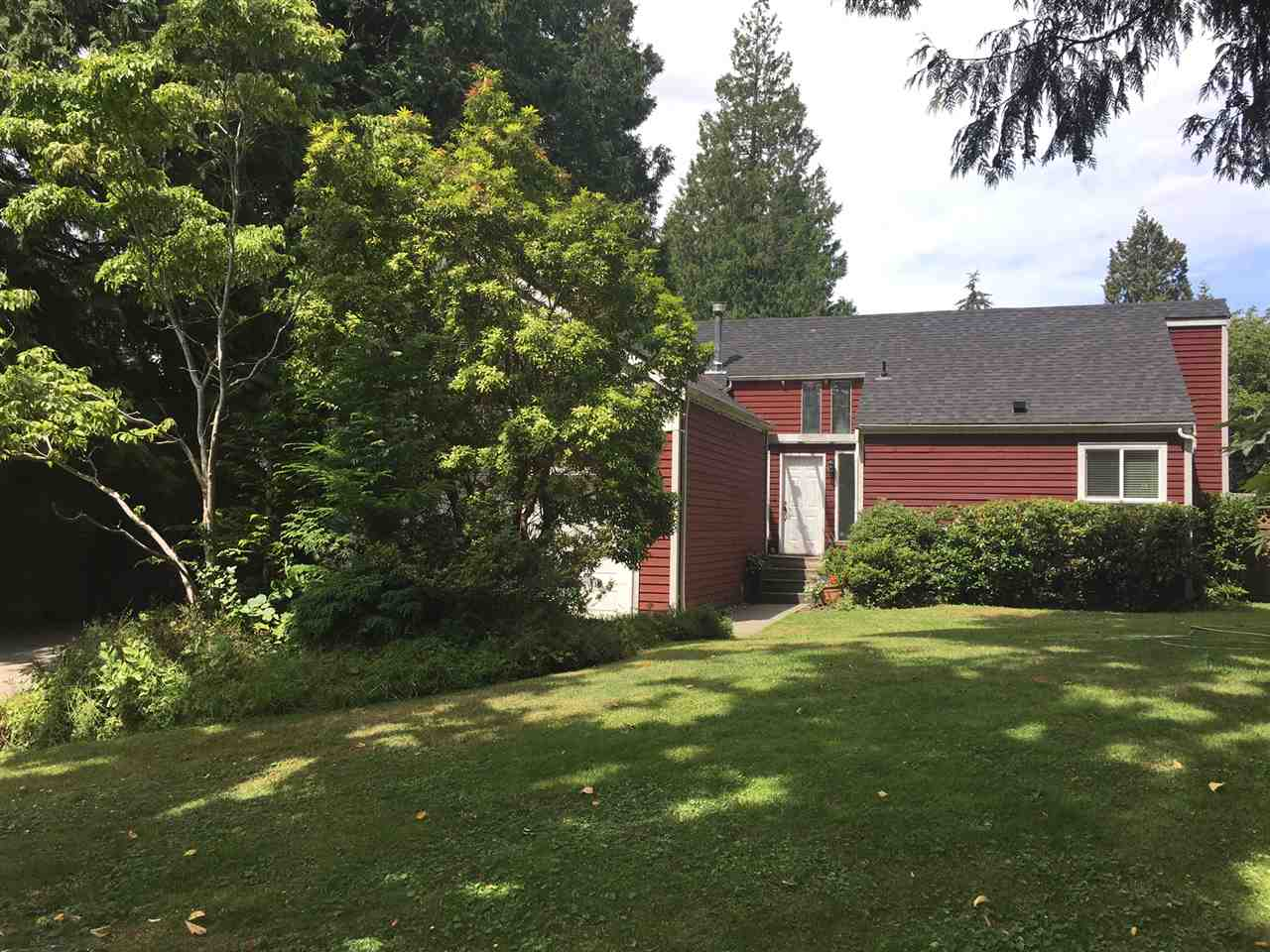 Detached at 1964 127 STREET, South Surrey White Rock, British Columbia. Image 1