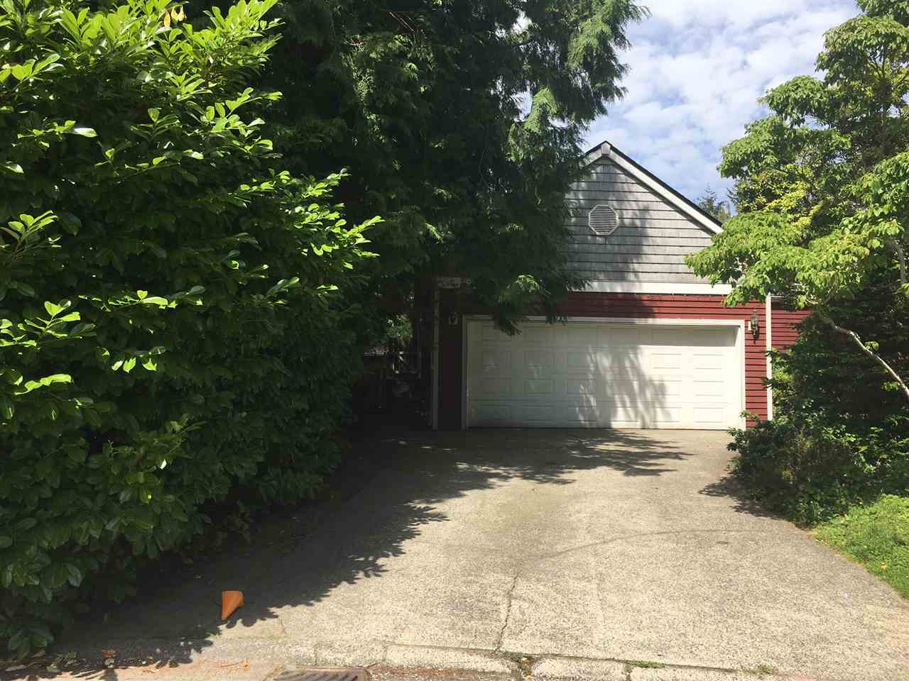 Detached at 1964 127 STREET, South Surrey White Rock, British Columbia. Image 2