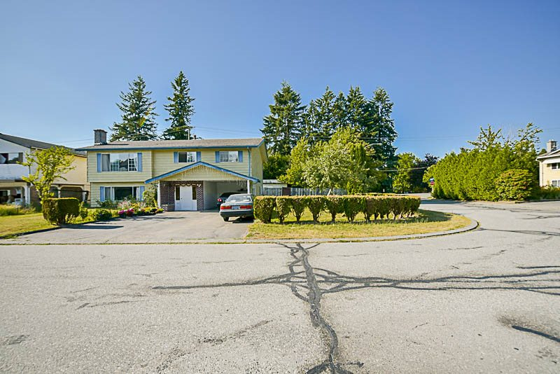 Detached at 1936 CATALINA CRESCENT, Abbotsford, British Columbia. Image 4