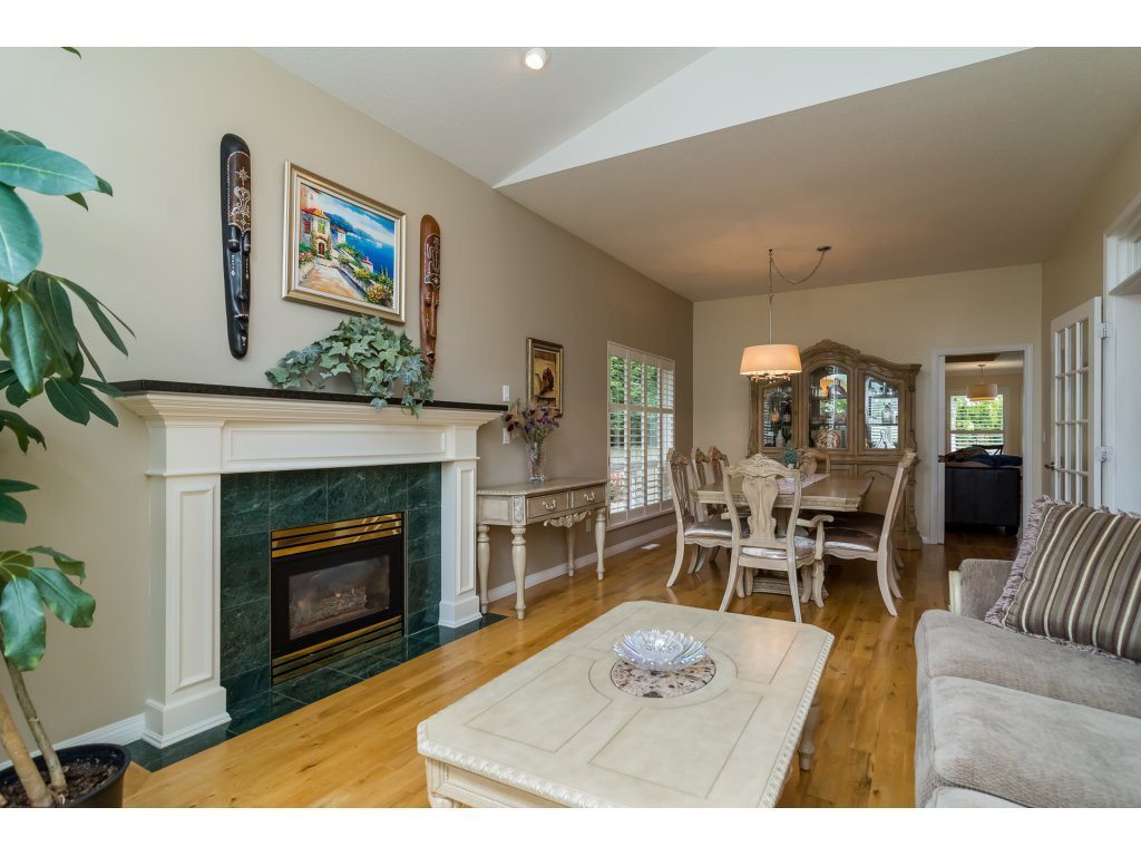 Detached at 14007 23A AVENUE, South Surrey White Rock, British Columbia. Image 5