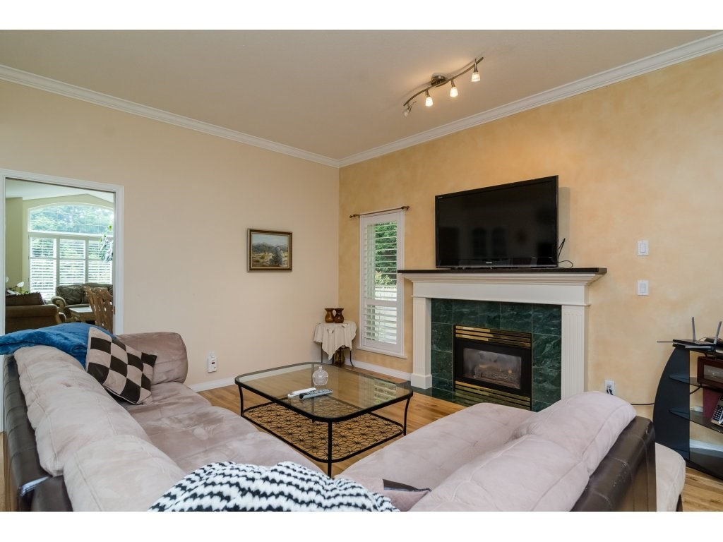 Detached at 14007 23A AVENUE, South Surrey White Rock, British Columbia. Image 9