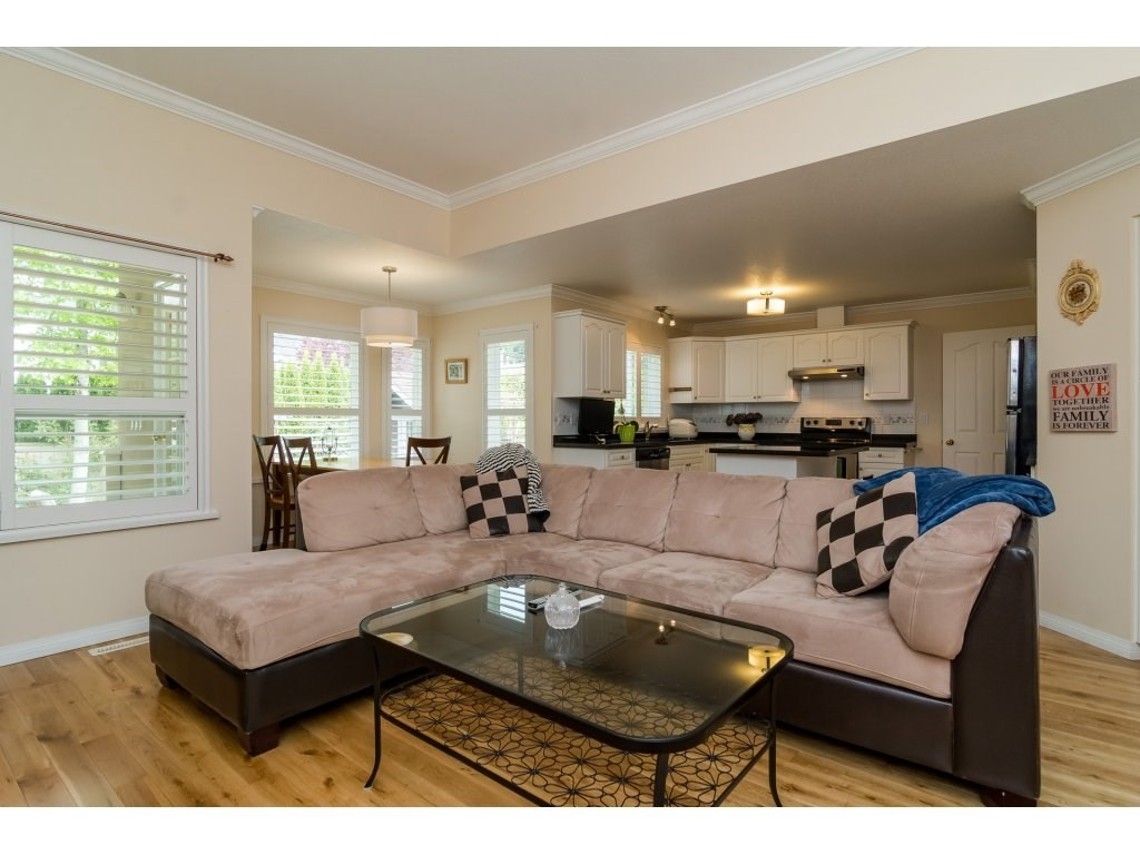Detached at 14007 23A AVENUE, South Surrey White Rock, British Columbia. Image 10