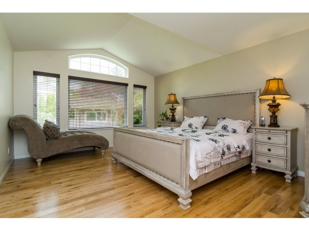 Detached at 14007 23A AVENUE, South Surrey White Rock, British Columbia. Image 14