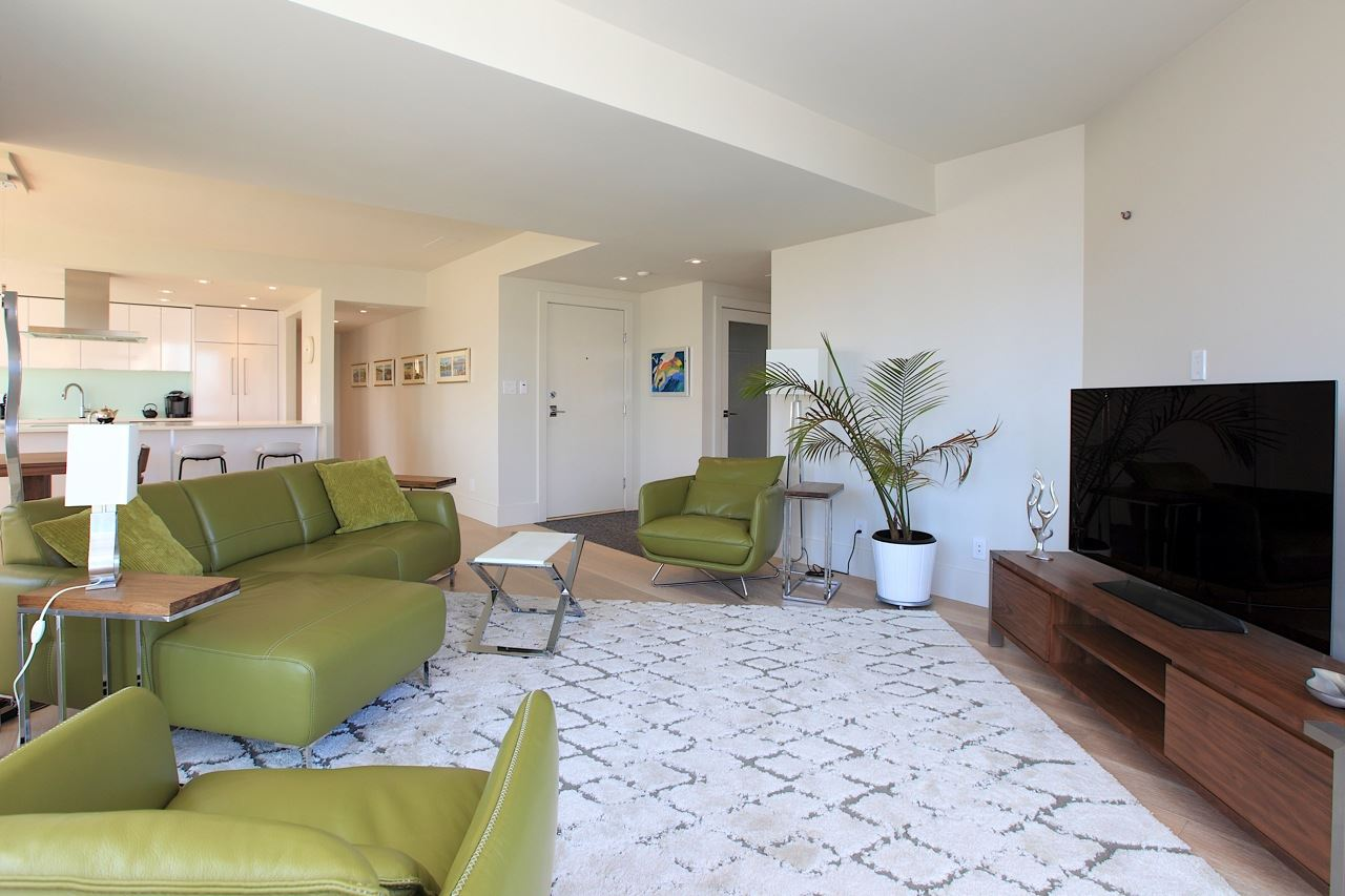 Condo Apartment at 1903 1010 BURNABY STREET, Unit 1903, Vancouver West, British Columbia. Image 3