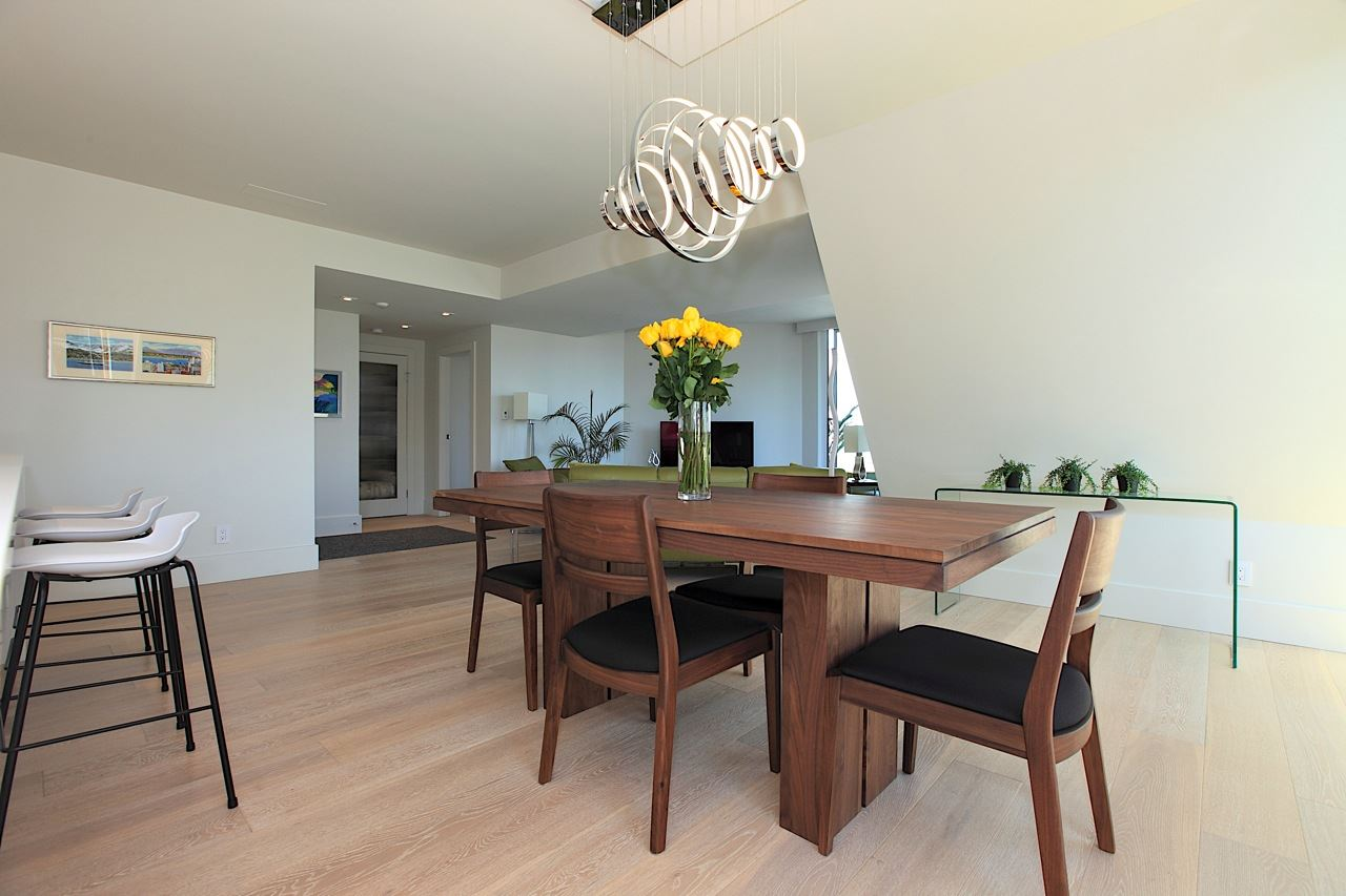 Condo Apartment at 1903 1010 BURNABY STREET, Unit 1903, Vancouver West, British Columbia. Image 5