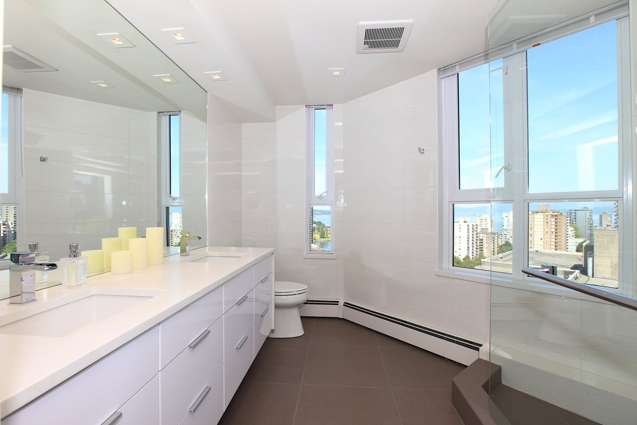 Condo Apartment at 1903 1010 BURNABY STREET, Unit 1903, Vancouver West, British Columbia. Image 11