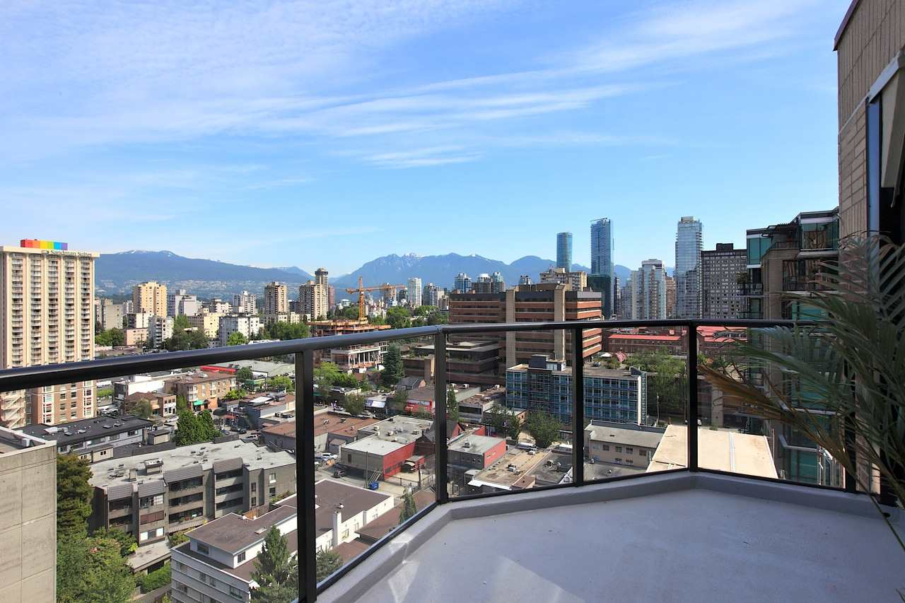 Condo Apartment at 1903 1010 BURNABY STREET, Unit 1903, Vancouver West, British Columbia. Image 16