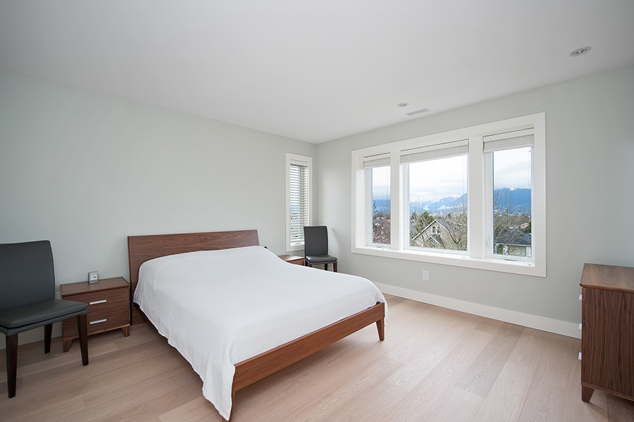 Detached at 2646 E 5TH AVENUE, Vancouver East, British Columbia. Image 8