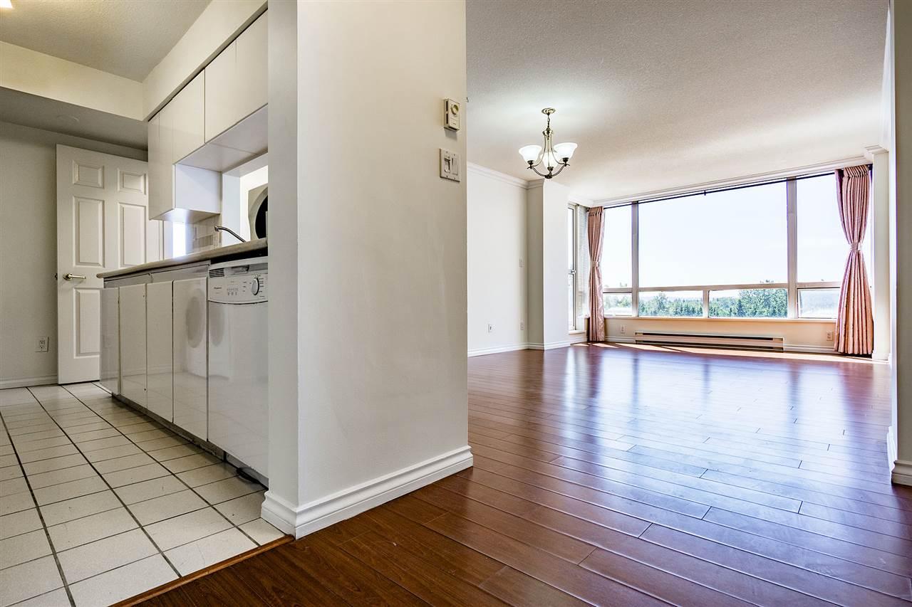 Condo Apartment at 908 9633 MANCHESTER DRIVE, Unit 908, Burnaby North, British Columbia. Image 2