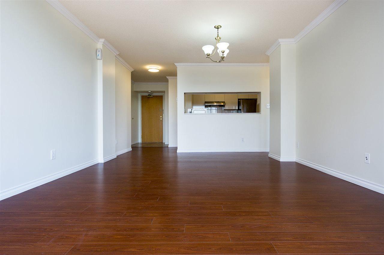 Condo Apartment at 908 9633 MANCHESTER DRIVE, Unit 908, Burnaby North, British Columbia. Image 3
