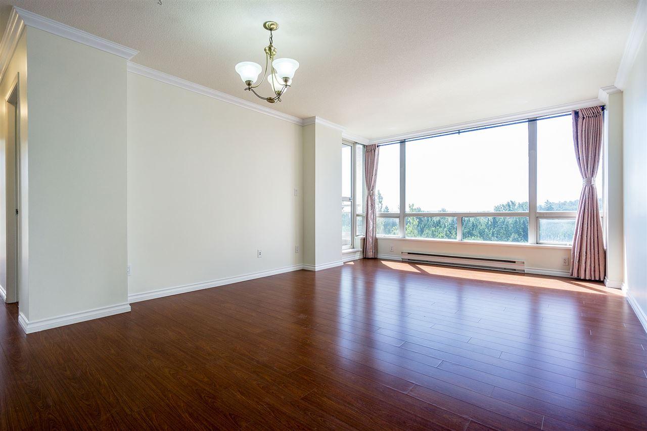 Condo Apartment at 908 9633 MANCHESTER DRIVE, Unit 908, Burnaby North, British Columbia. Image 4