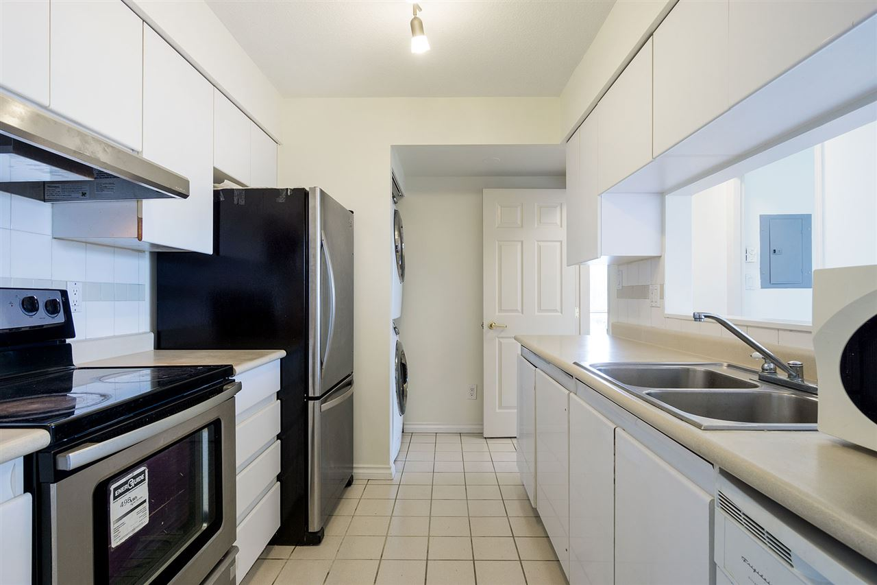 Condo Apartment at 908 9633 MANCHESTER DRIVE, Unit 908, Burnaby North, British Columbia. Image 7