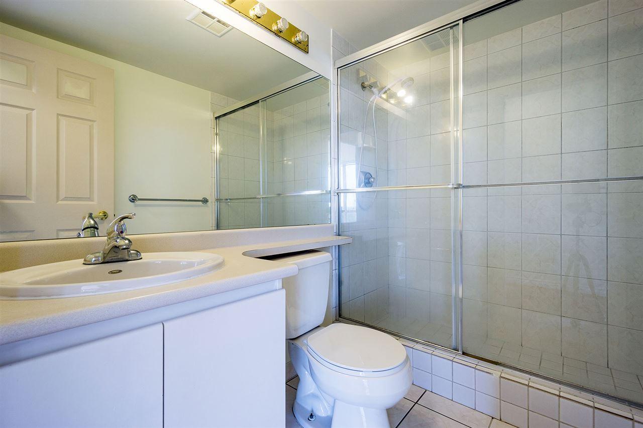 Condo Apartment at 908 9633 MANCHESTER DRIVE, Unit 908, Burnaby North, British Columbia. Image 10