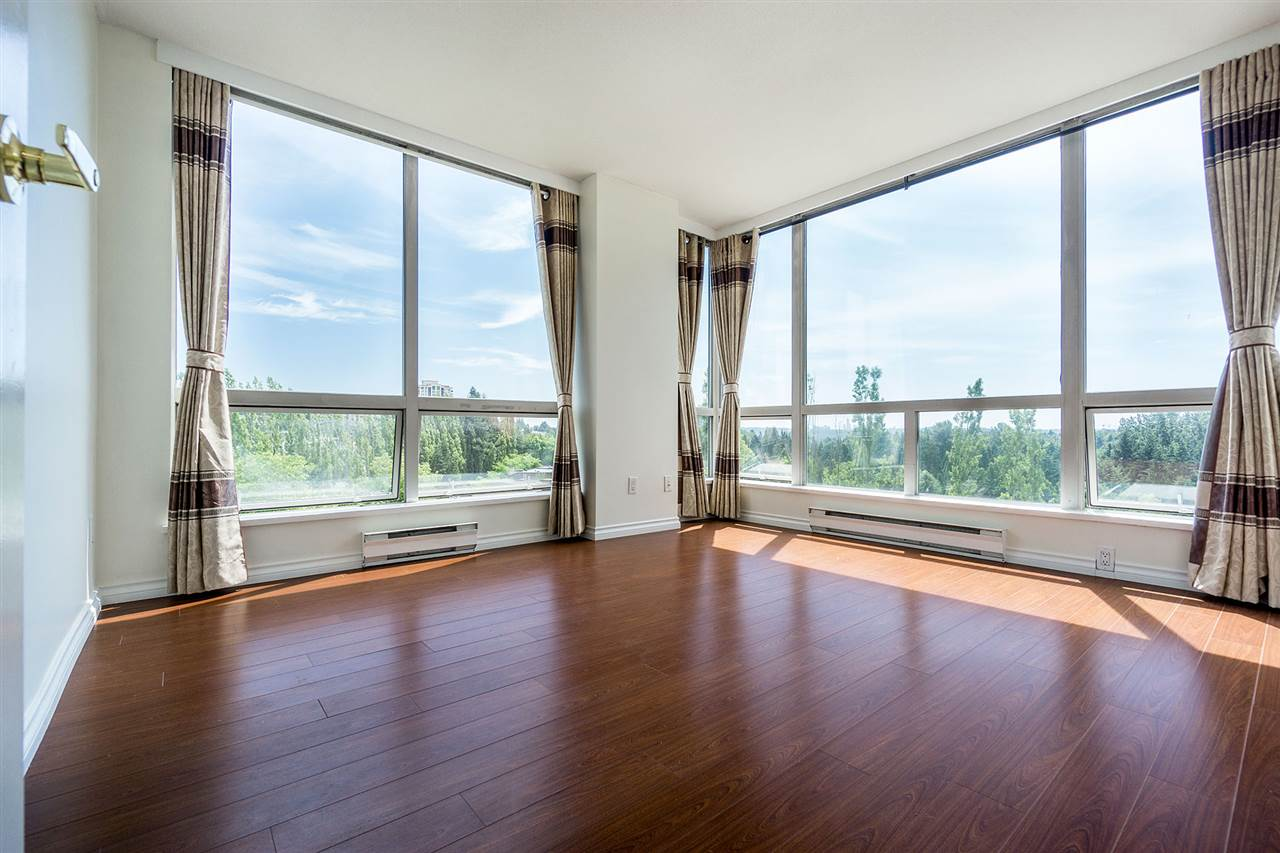 Condo Apartment at 908 9633 MANCHESTER DRIVE, Unit 908, Burnaby North, British Columbia. Image 11