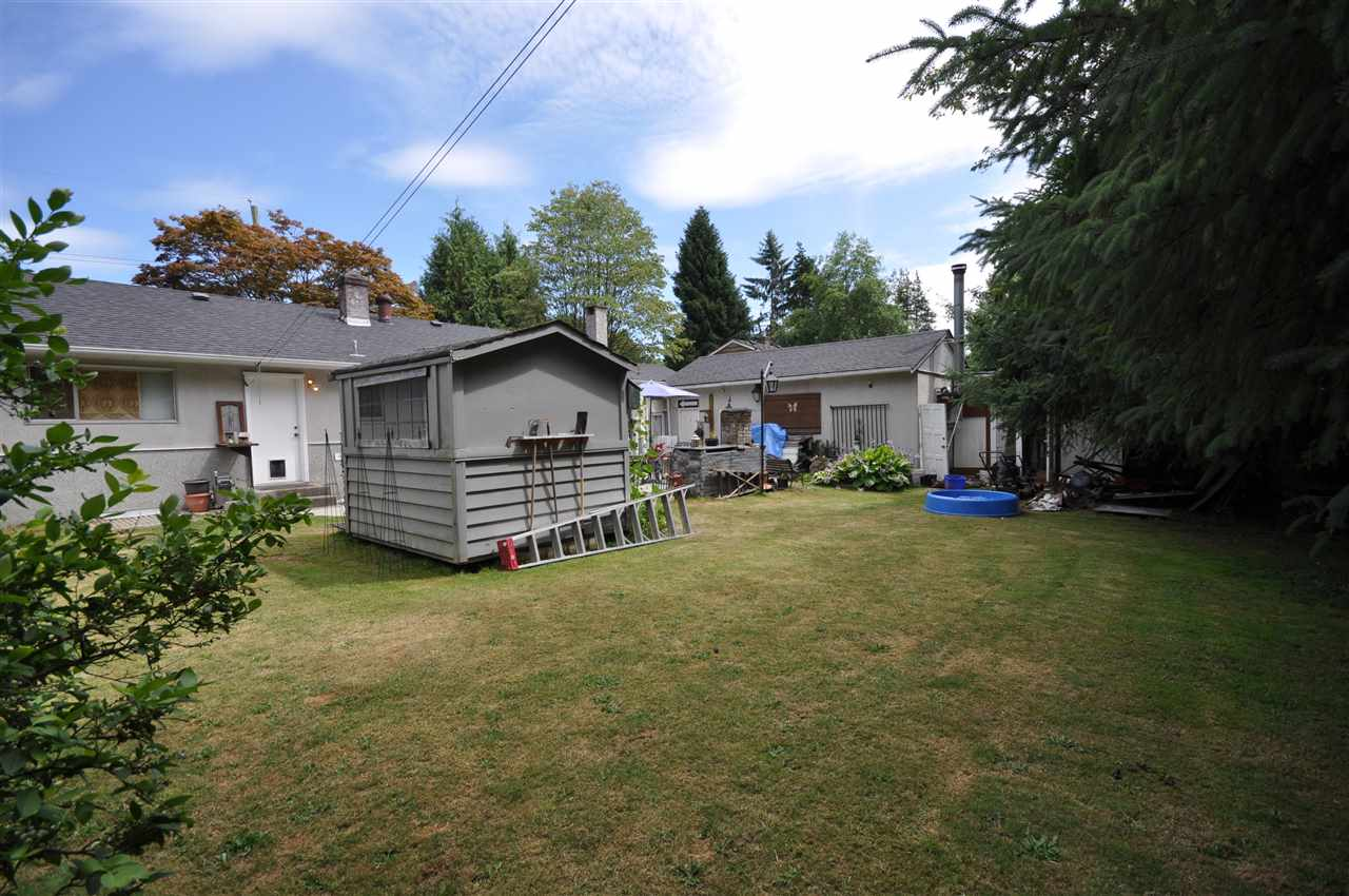 Detached at 8667 154A STREET, Surrey, British Columbia. Image 3