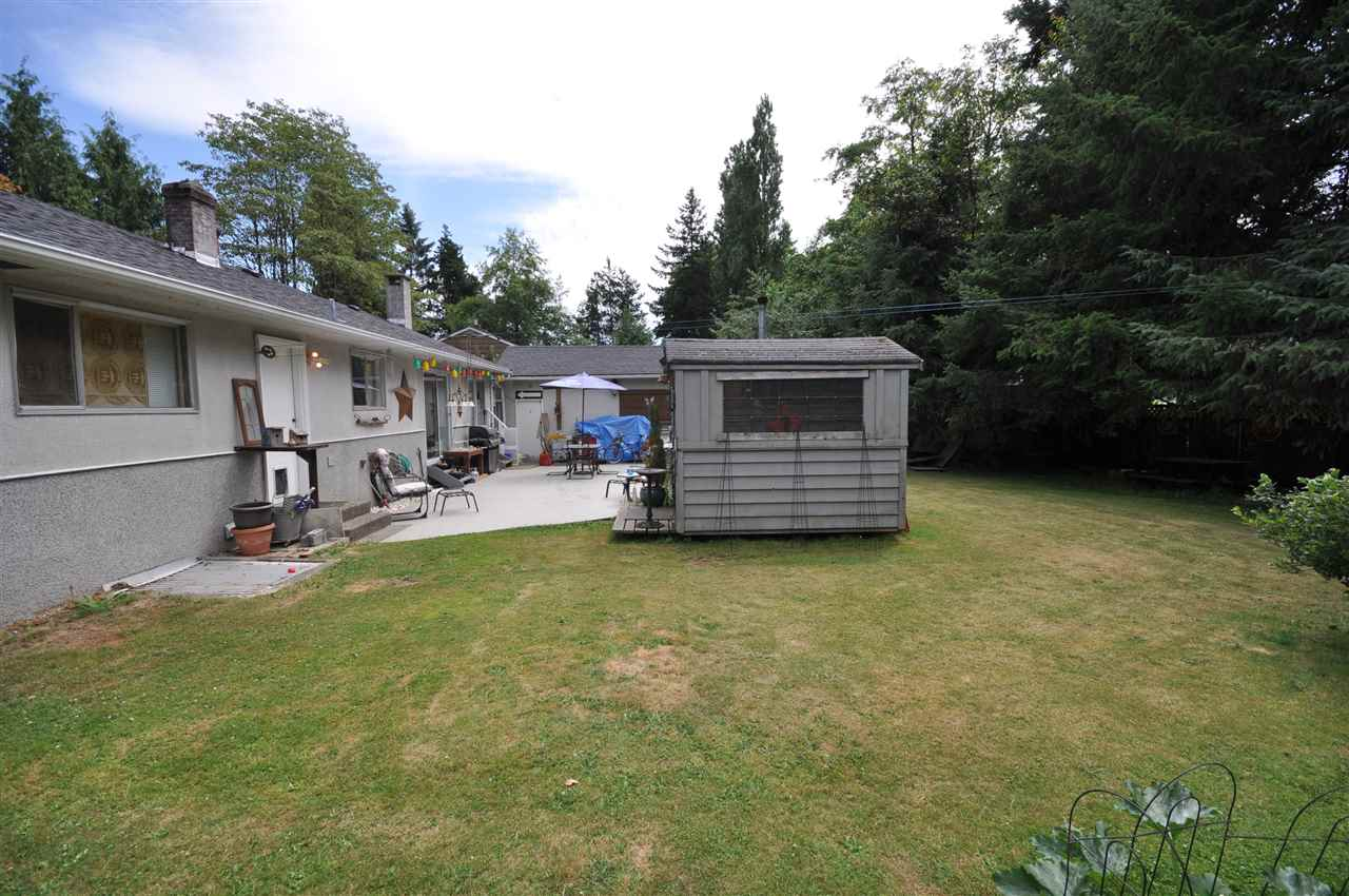Detached at 8667 154A STREET, Surrey, British Columbia. Image 4