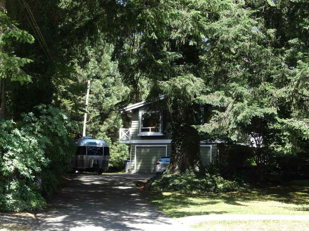 Detached at 17659 20 AVENUE, South Surrey White Rock, British Columbia. Image 4