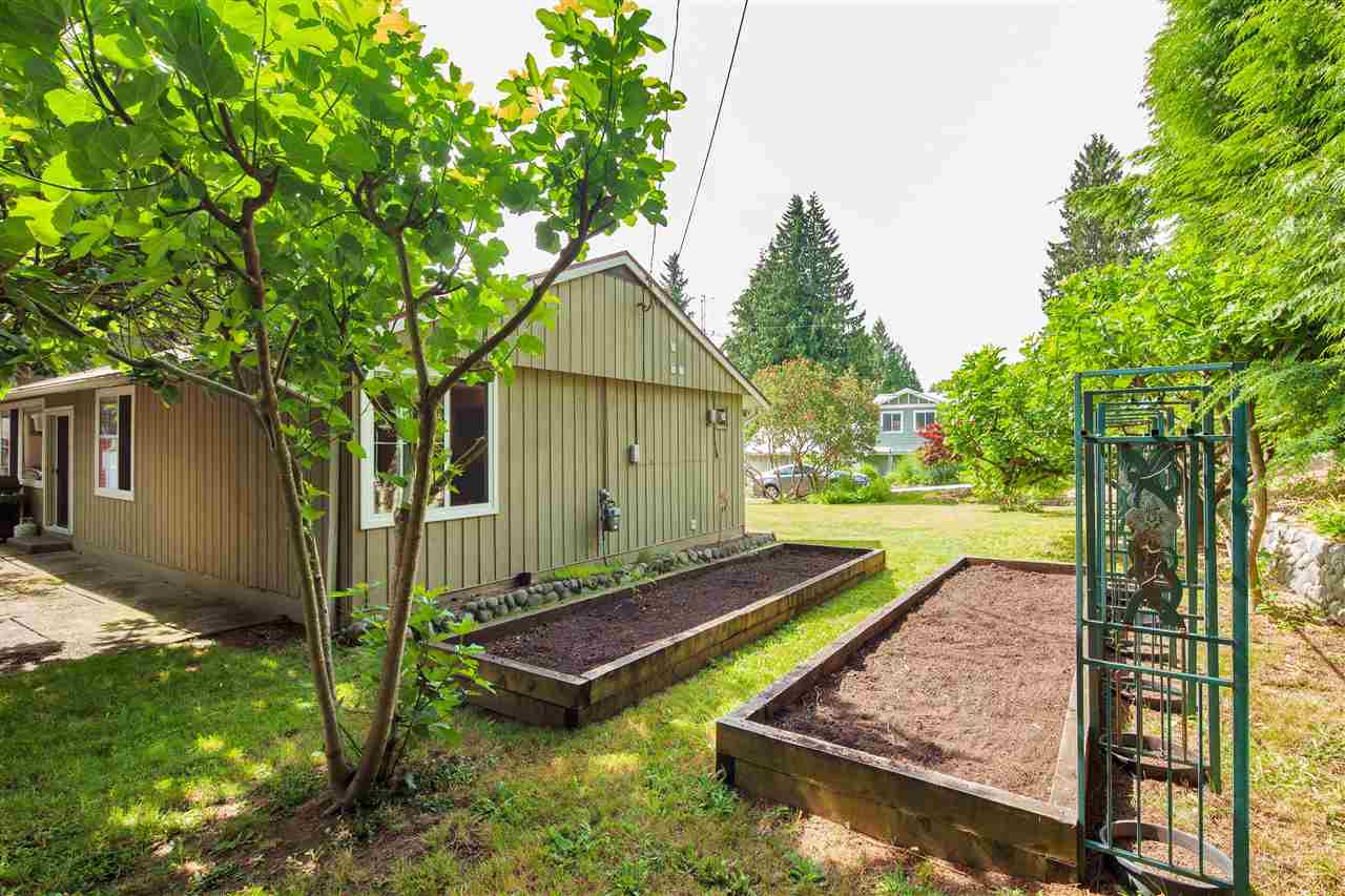 Detached at 1876 BEAULYNN PLACE, North Vancouver, British Columbia. Image 2