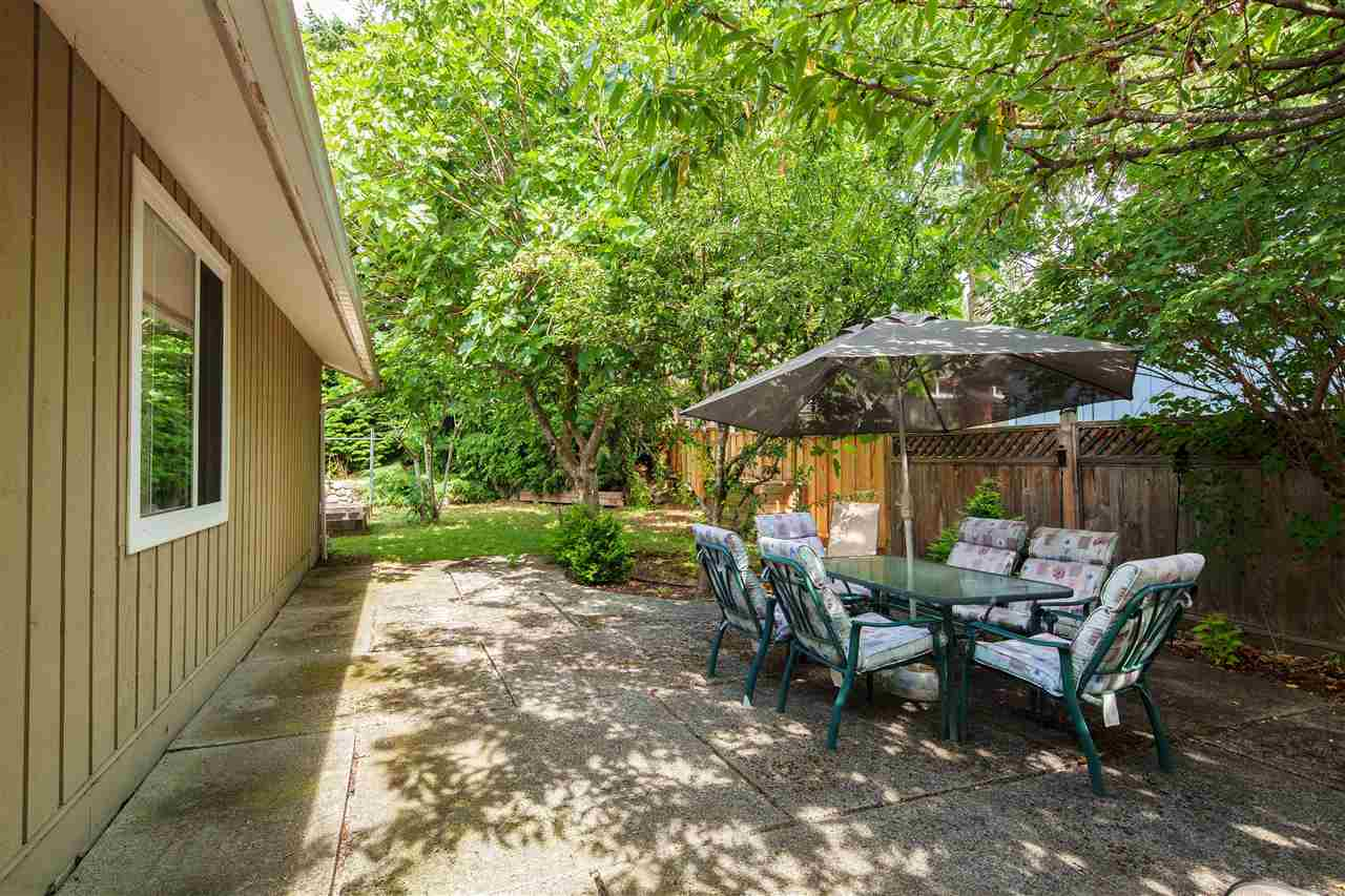 Detached at 1876 BEAULYNN PLACE, North Vancouver, British Columbia. Image 3