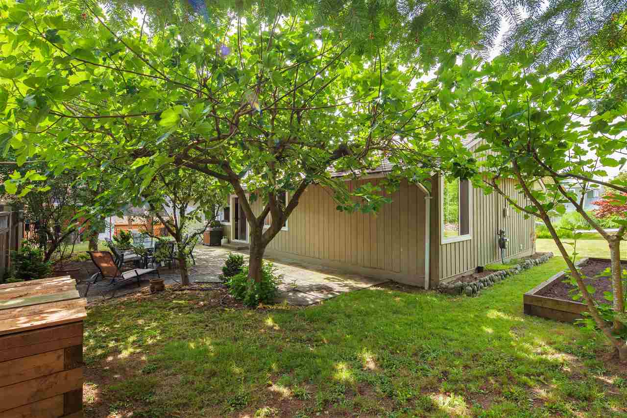 Detached at 1876 BEAULYNN PLACE, North Vancouver, British Columbia. Image 5